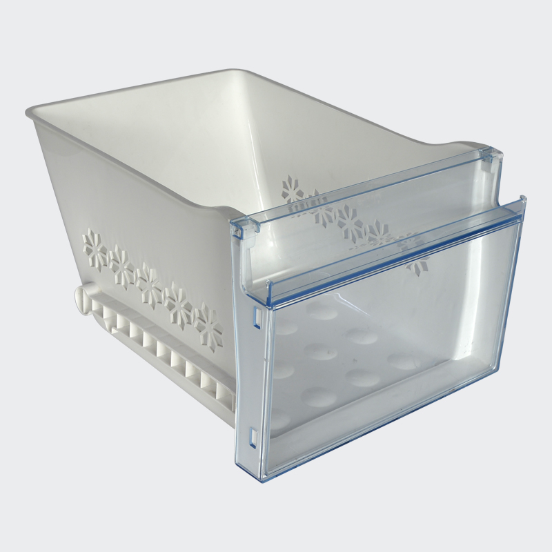 Compare injection and blow plastic pallet mould